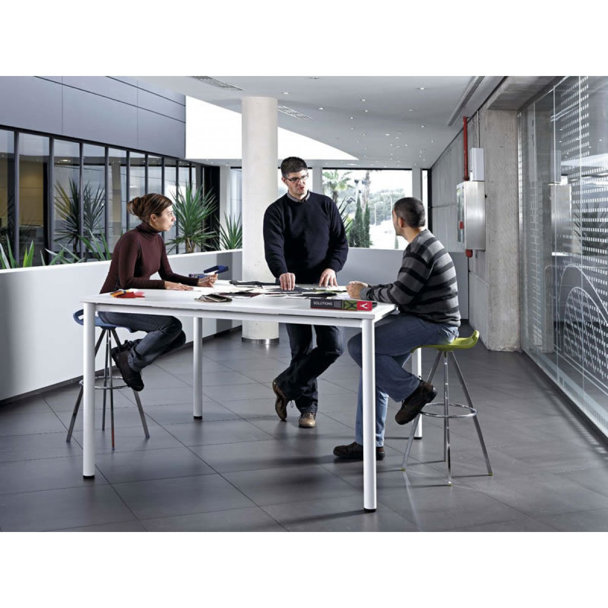 Cool Meet 01 Office Furniture London